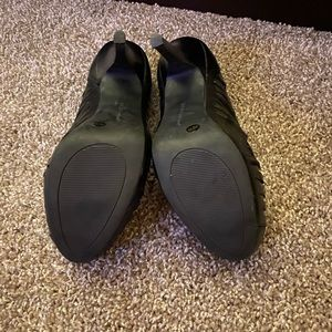 BCBGeneration Shoes - BCBG Size 9 Heels